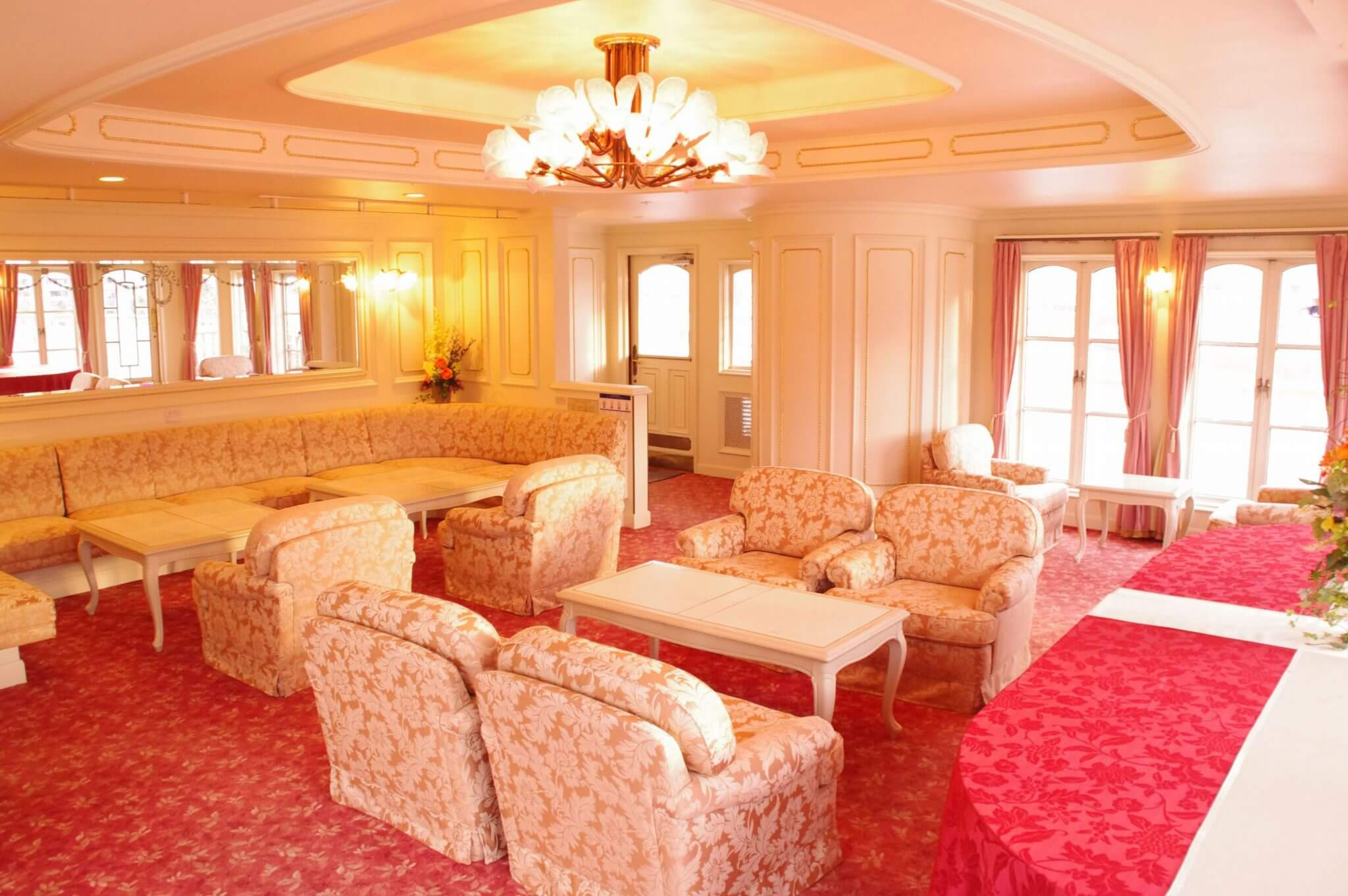 個室利用で優雅なひとときを ミシガンロイヤルルーム貸切プラン