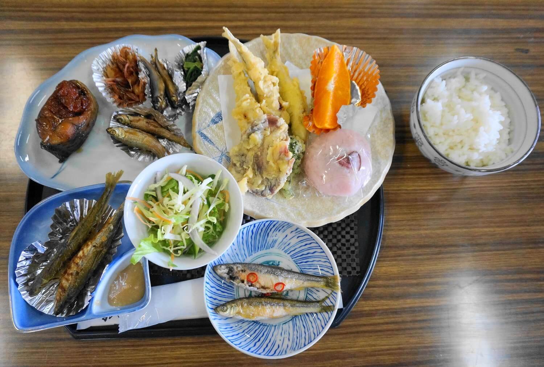 ホンモロコ昼食